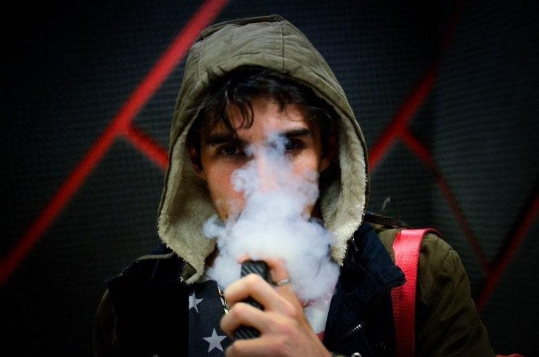 E-Zigarette und Aromen von Marihuanablüten